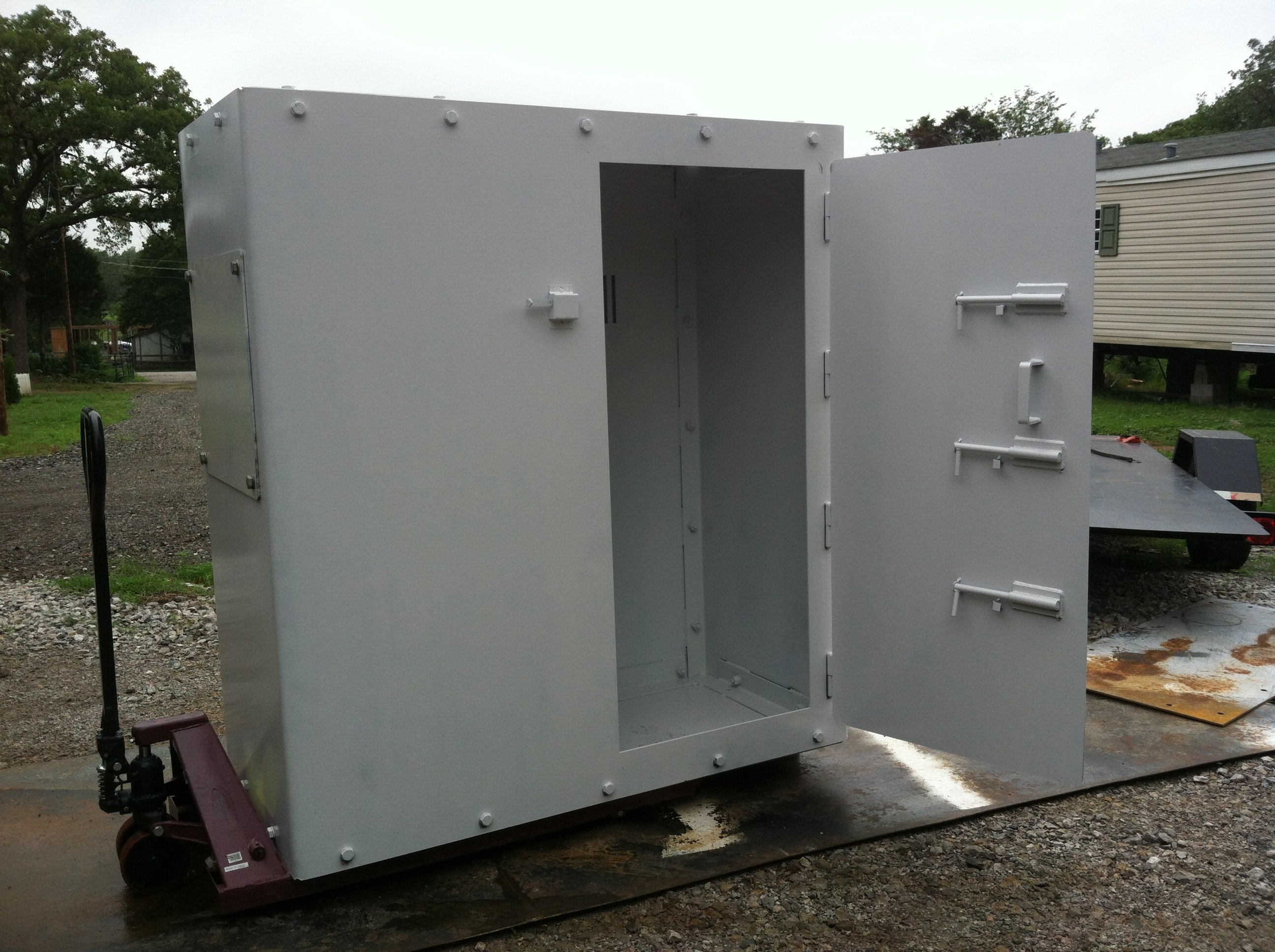 Safe storm shelters and safe rooms total concepts for Safe room builders